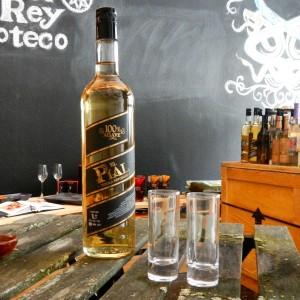 Tequila El Pial Paket mit Tequila Glaesern
